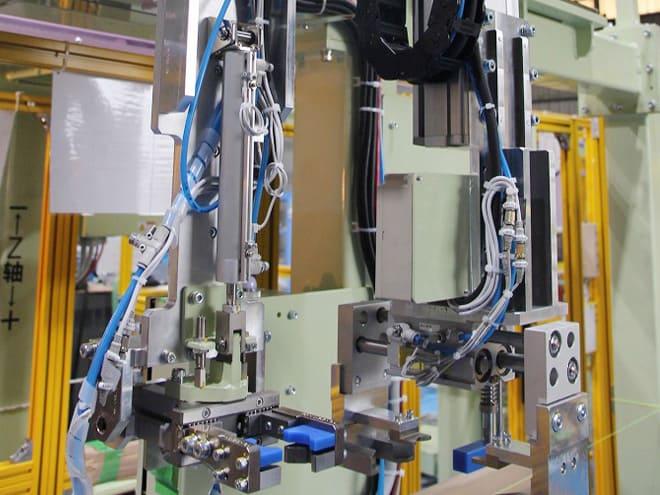 単軸ロボットを使用した自動搬送システムを導入致しました